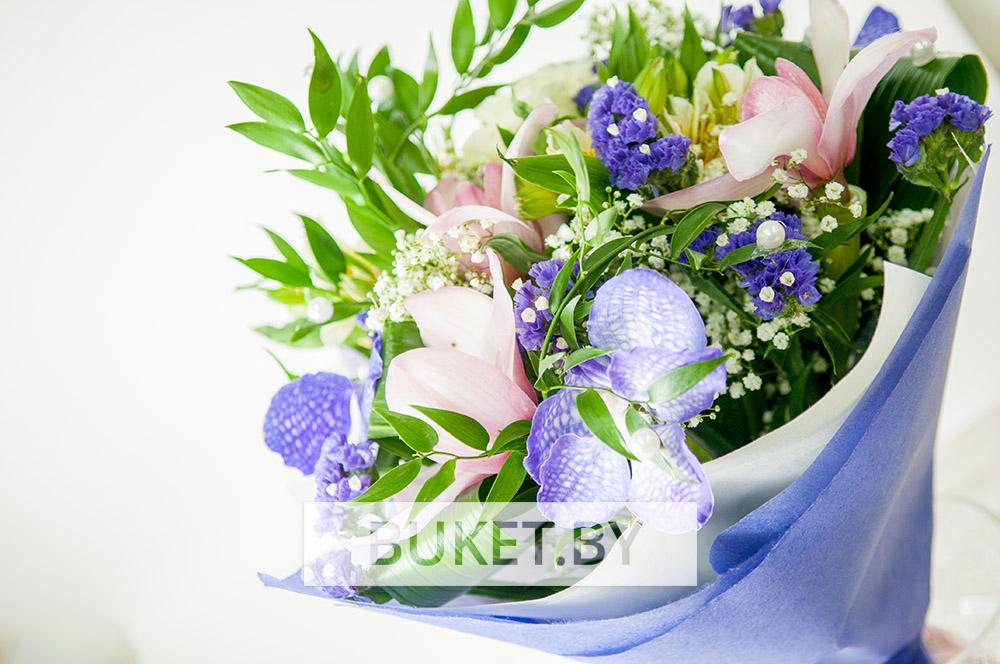 Букет из орхидей с альстромерией
