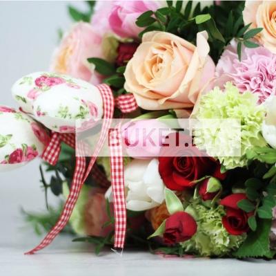 Букет из роз, гвоздик и тюльпанов
