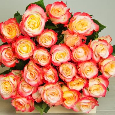 """Букет из роз сорта """"Кабаре"""""""